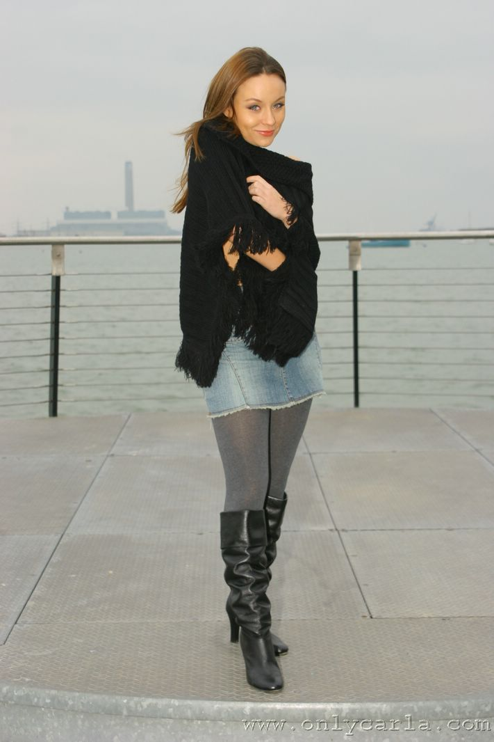 carla in winter clothes denim skirt grey opaque tights